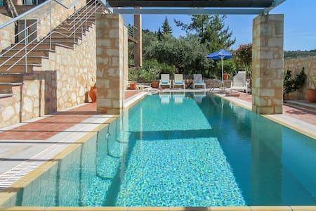 Aphrodite - luxury villa with private pool - Gavalochori - Villa
