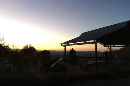 Above the clouds Olinda Dandenong Ranges Retreat - Olinda - Hus