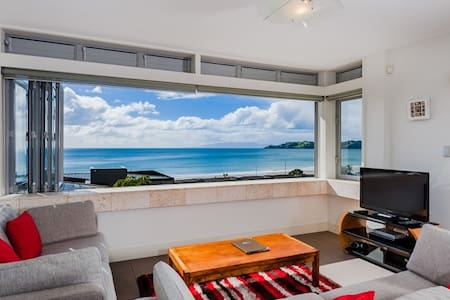 Beachfront luxury on Waiheke Island - Lejlighed