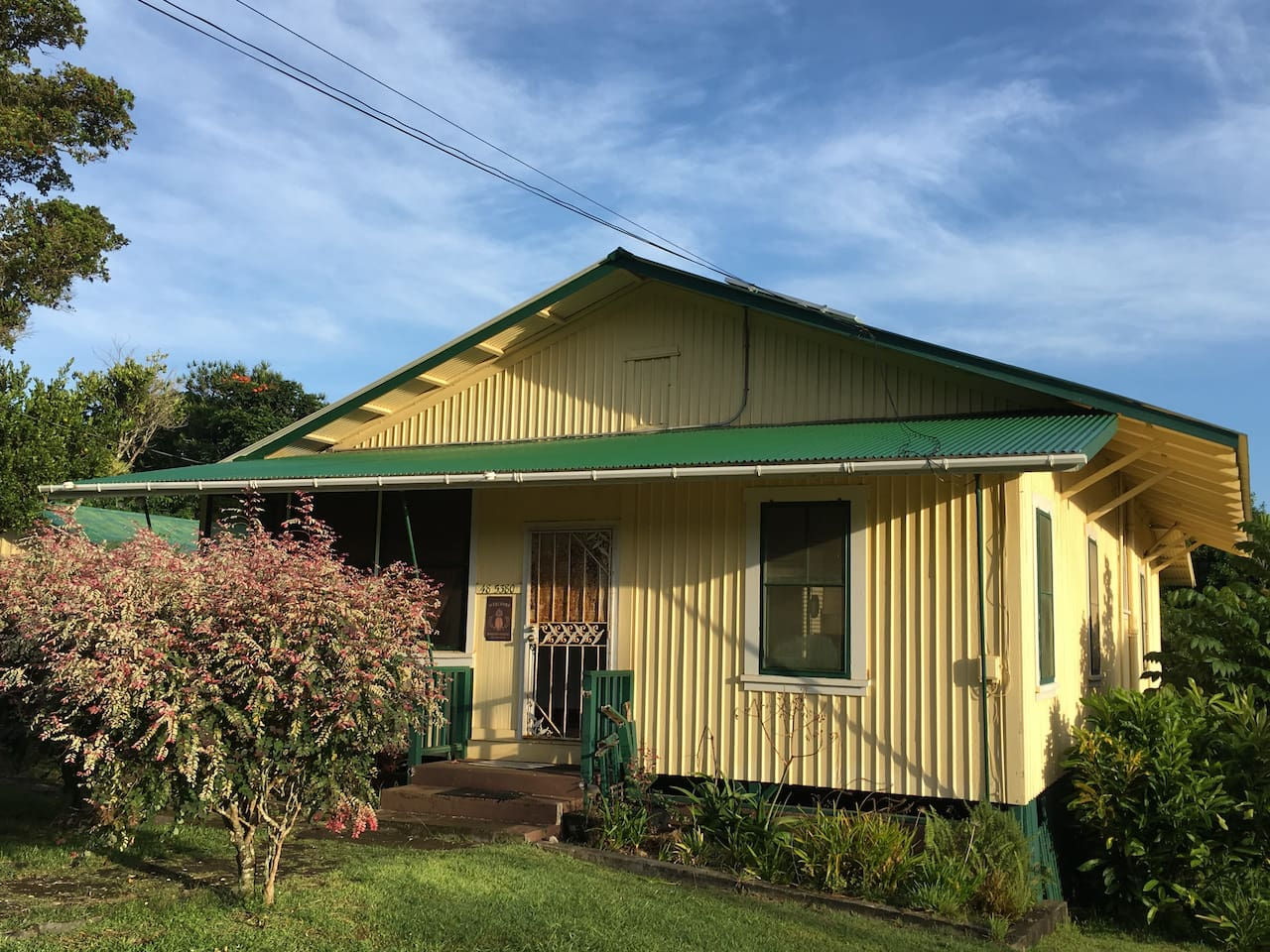 Front view of the Waipio Hostel