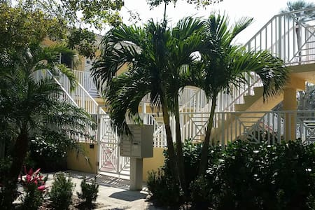 Perfectly located Old Naples condo - Apartament