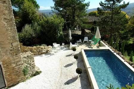Panoramic view on Luberon in Goult - Goult - House