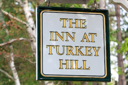 The Inn, Farmhouse, and Brewing Co. at Turkey Hill - Bed & Breakfast