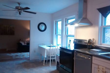 Sunny, Equipped, Updated, Beautiful 3 Bedroom Home - Auburn