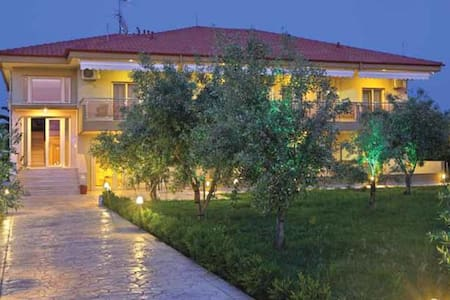 Gaia Studios & Apartments Nea Plagia Chalkidiki - Appartement