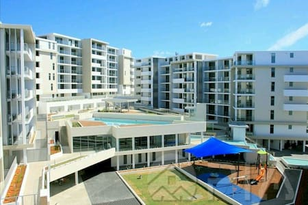 Spacious 2 bedroom new apartment - Turrella - Wohnung
