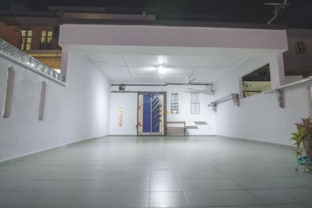 New Open! Unique Homestay@Taman Bukit Belimbing - Ház
