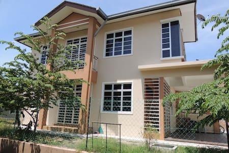 D'Barakah Homestay Kuala Terengganu - House
