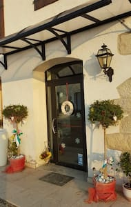 Camere luminose adatte a coppie o famiglie - Bed & Breakfast