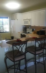 Beautiful Condo parking included - Cape Coral - Appartement en résidence