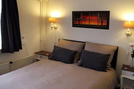 B&B Vermeesch kamer 3 - Bed & Breakfast