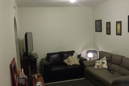 Have everything within reach.  Being able to do many things on foot, close to Metro Station and many bus lines. By taxi you can go to many places in the city without spending a lot. Quiet and family condo. Room with queen size bed.