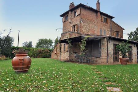 Villa a Montepulciano per 6 persone ID 55 - Montepulciano - Villa