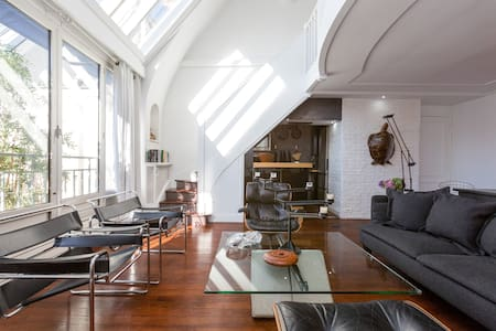 Designer Penthouse Loft with Eiffel Tower View - Parigi