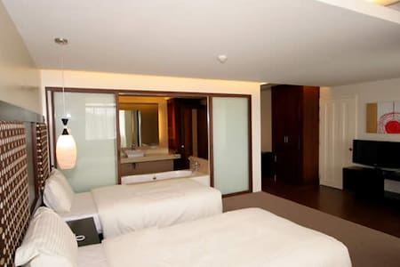 Twin with City View in Coron! - Apartment