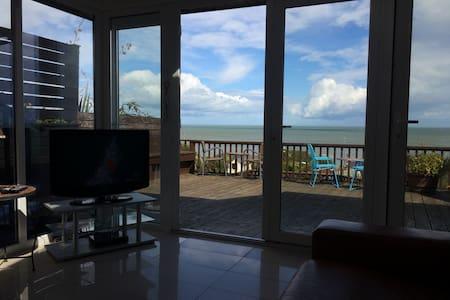 The Beach House - Haus