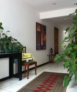 Room type: Private room Property type: House Accommodates: 3 Bedrooms: 1 Bathrooms: 2