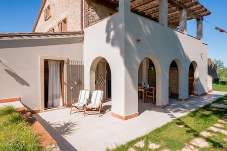 PeacockFeather, Casa Verde - House