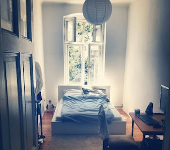 Nice and cozy room in Kreuzberg