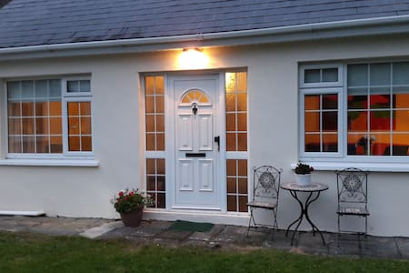 Self contained garden apartment - Portlaoise - Chalet