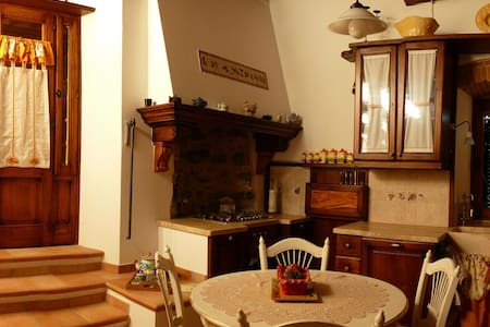 Holiday in the Middleage Borgo di Montemassi - Flat