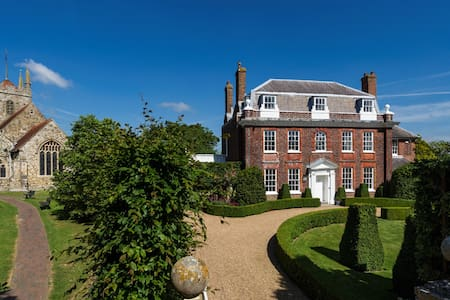 EAST SUSSEX stunning vicarage - Casa