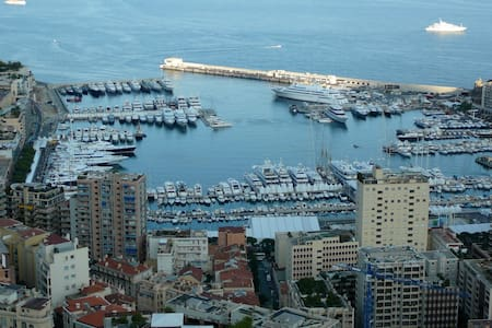 Large studio apartment Monte-Carlo