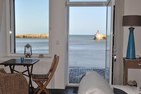 Les Trois Moussaillons*** sea view - Port-en-Bessin-Huppain - Talo