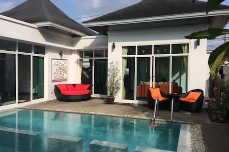 2 Bedroom Beautiful Villa with Pool - Tambon Choeng Thale - Willa
