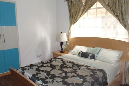 Bed and Breakfast in Lavington - Nairobi - Bed & Breakfast