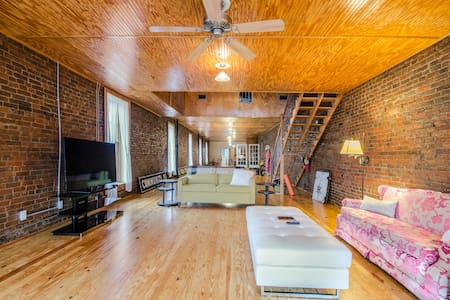 Historic Loft North of Nashville - Springfield - Pis