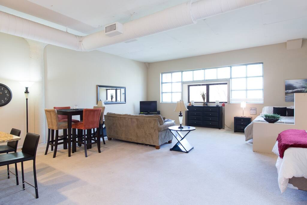 Large Luxury Loft in Old Town A310