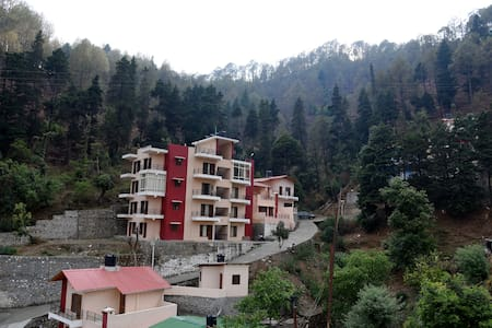 Leena Holiday Homez - Nainital - Appartamento