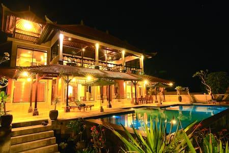 New Majestic Private Pool Villa  - Huvila