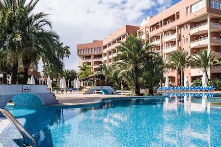 Golf Equestrian and Beach Apartment in 4 * Hotel - Oliva - Apartment