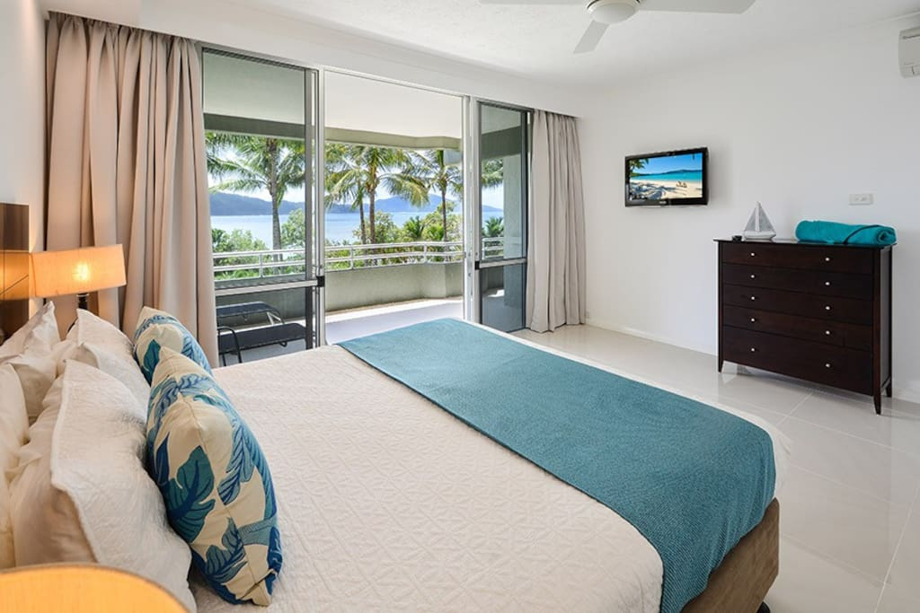 Hibiscus 107 Deluxe 2 Bedroom Apt Buggy Apartments For Rent In Hamilton Island