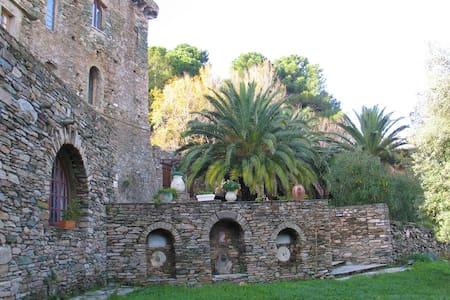 Couvent Santa Catalina - Capraia - Sisco - Kasteel