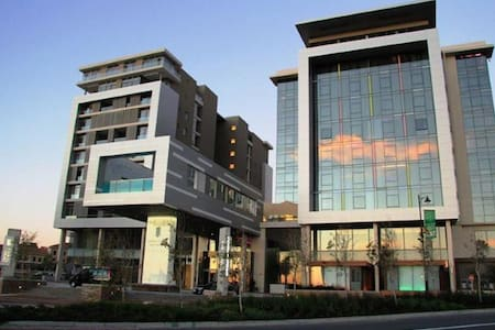 Crystal Towers Residences Luxury Apartment - Kaapstad - Appartement