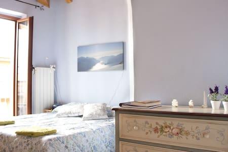 Room Air, lake Como