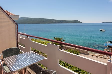 Waterfront studio for two (No4) - Herceg Novi - Apartamento
