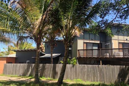 Dolphin Beach House - Maison de ville
