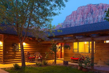 Nama-Stay Vacation Home Zion, Utah - Springdale - Hus