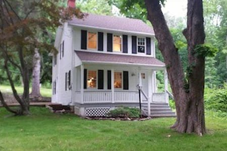 The Cottage - Perfect since 1860 AirBnB SUPER HOST - Boonton