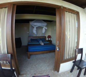 Bingin wise monkey Geust house 2 - kuta selatan  - Bed & Breakfast