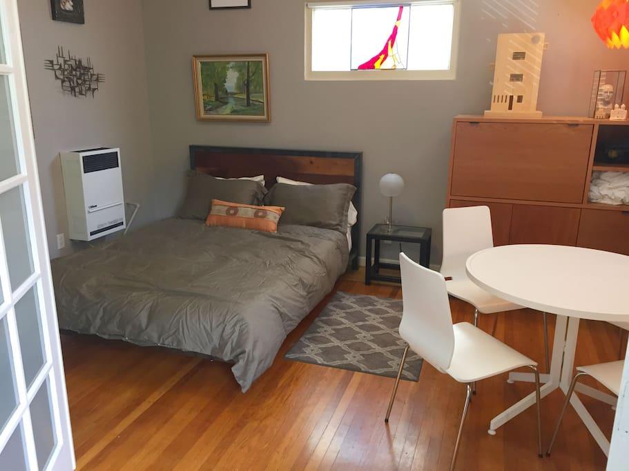 Dining room / second bedroom