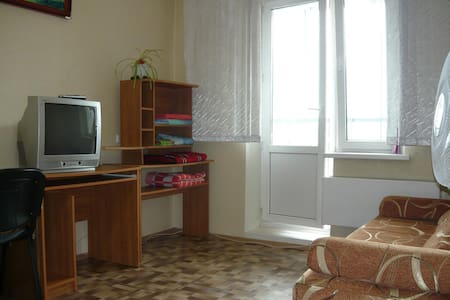 Sunny apartment near pine forest - Tomsk