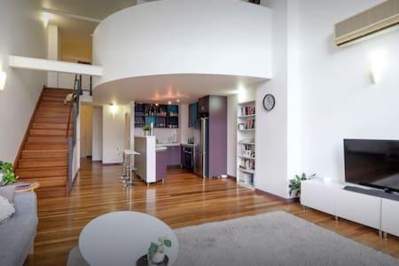 New York Style 2 Storey Loft - Fortitude Valley