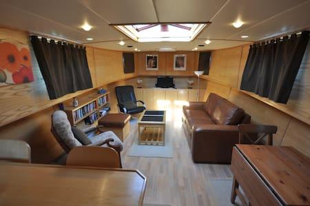 Escape to Brittany Cruises - Pledeliac - Boot