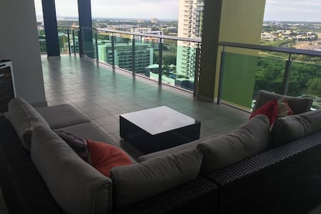 Room & breakfast in the city centre - Darwin - Apartment