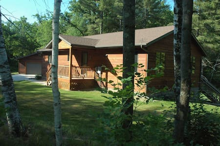 Impecible Northwoods Cabin